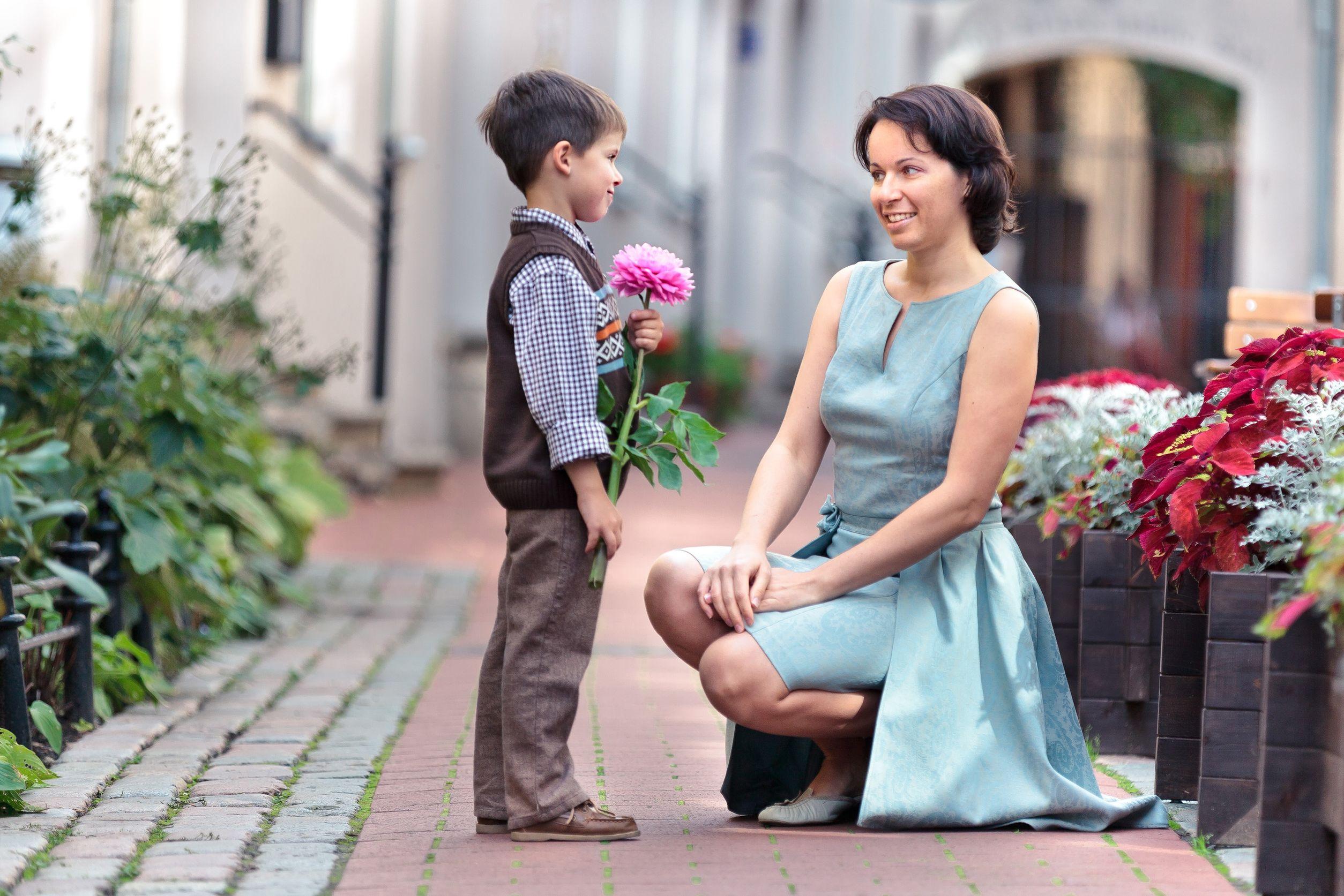 С «прицепом»: честный опрос про женщин с детьми