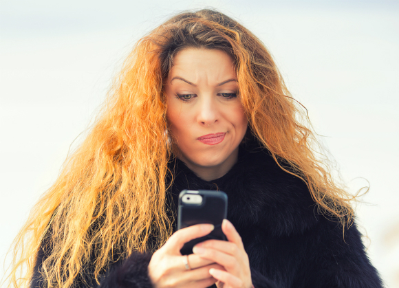 5 признаков онлайн-флирта, которые вы не замечаете