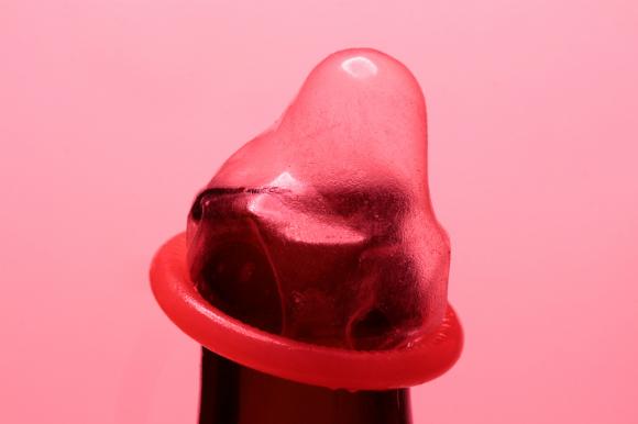 Неочевидная причина, по которой женщины соглашаются на незащищенный секс