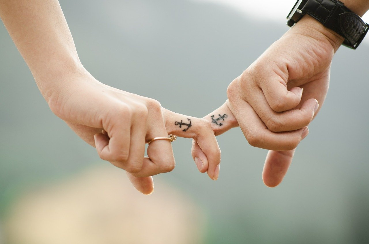 Как правильно начать общение на сайте знакомств?