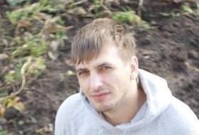 Roman, 36 - Just Me