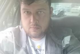 Ivan , 34 - Just Me