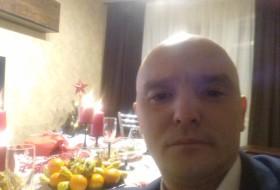 Ruslan, 35 - Just Me