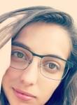 Aurélia, 19  , Sedan