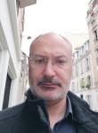 antoine, 49  , Paris