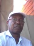 Simão, 61  , Maputo