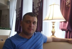 Igor, 38 - Just Me