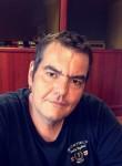 Cédric , 46  , Le Mans