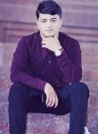 Yunus, 18  , Khujand