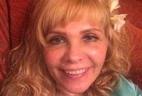 Alla, 53 - Just Me