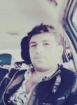 Atakan, 35, Istanbul