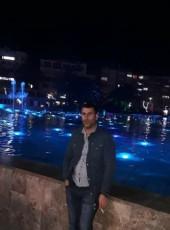 Çetin, 18, Turkey, Istanbul