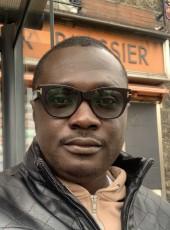 Verb, 32, Ghana, Accra