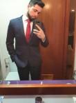 Fernando, 21  , Sevilla