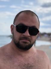 Artem, 19, Ukraine, Tokmak