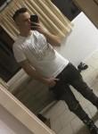 Razvan, 22  , Targoviste