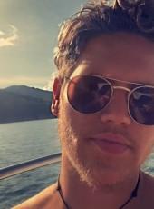Nils, 21, France, Lyon