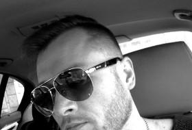 Yankel, 38 - Just Me