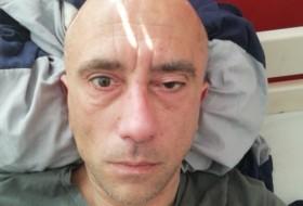 Darius, 43 - Just Me