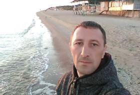Petr, 37 - Just Me
