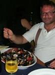 Ciro, 52  , Salerno