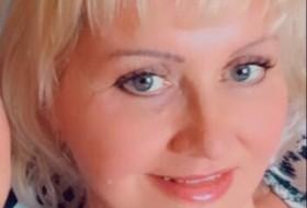 Elena, 47 - Just Me