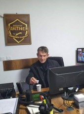 Isak, 47, Kosovo, Pristina