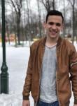 Stasik , 22  , Chuhuyiv