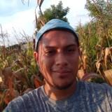 Javier, 28  , San Salvador