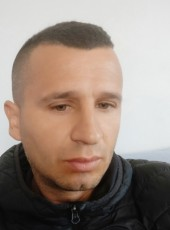 Francesco, 32, Albania, Tirana