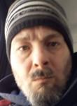 Thomas, 41, Montreal