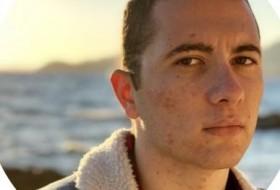 Jonathan, 19 - Just Me