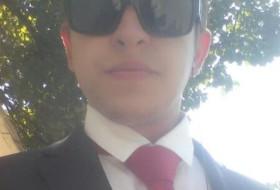 oleg, 23 - Just Me