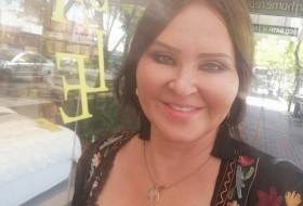 Lola, 44 - Just Me