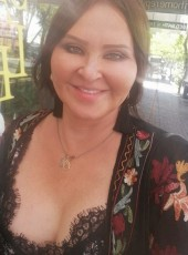 Lola, 44, Australia, Adelaide
