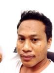 samart, 33  , Tha Muang