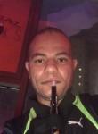 مصطفى, 26  , Al Mahbulah