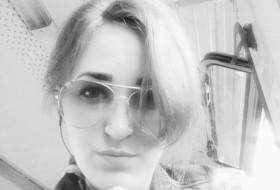 Darja, 24 - Just Me