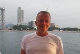 Vladislav, 54 - Just Me