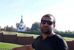 Vardan, 33 - Just Me