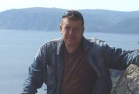 vadim, 57 - Just Me