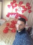 آياد, 32  , Damascus