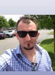 Piotrek , 39  , East New York