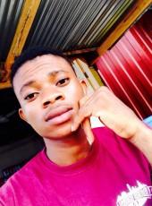 Boahen, 18, Togo, Lome