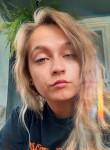 Addie, 25  , London
