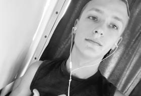 Semyen, 19 - Just Me