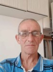 René, 55  , Arras