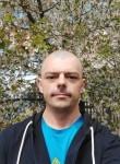 Roman, 39  , Pavlohrad