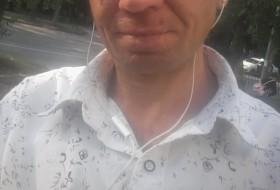 Ilya, 39 - Just Me