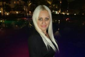 Arina, 44 - Just Me